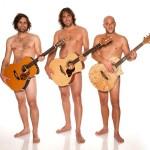Ein Bild auf dem Michael Dietmayr mit 2 anderen Musikern zu sehen ist